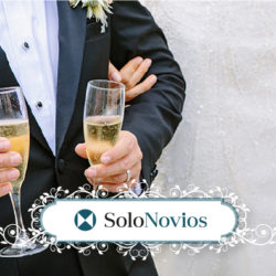 Solonovios, tu referente de trajes de novios, te desea felices fiestas